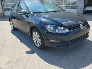 Used 2017 Volkswagen Golf COMFORTLINE for sale in Gatineau, QC