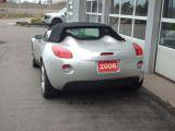 2006 Pontiac Solstice one owner/ low low kms