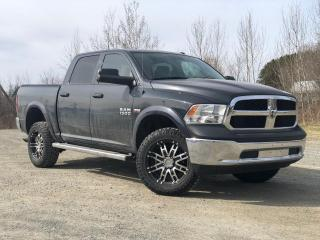 Used 2017 RAM 1500 SXT CREW CAB 4X4 V8 5.7L 6.4 BOITE for sale in St-Malachie, QC
