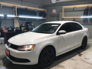 Used 2014 Volkswagen Jetta 2.0L * Steering Wheel Controls * Hands Free Calling * AM/FM/CD/USB * Heated Cloth Seats * Sport Mode * Automatic/Manual Mode * Tinted Windows * Automa for sale in Cambridge, ON