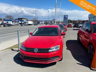 Used 2017 Volkswagen Jetta RÉSERVÉ Man Trendline 1.4 TSI + BANCS CHAUFFANTS for sale in Québec, QC