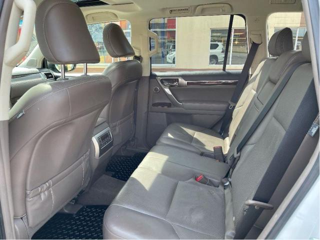 2012 Toyota 4Runner SR5 Leather/Sunroof/7 Passengers/Camera Photo15