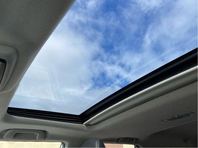 2012 Toyota 4Runner SR5 Leather/Sunroof/7 Passengers/Camera Photo18