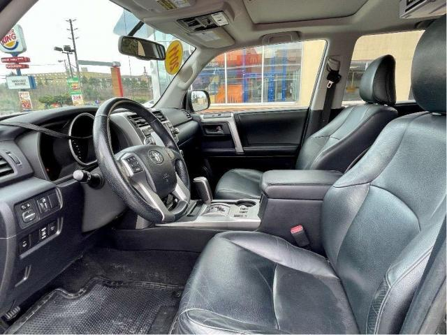 2011 Toyota 4Runner Limited Navigation/Sunroof/Leather Photo12