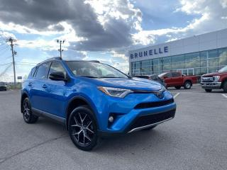 Used 2018 Toyota RAV4 SE HYBRID AWD cuir, toit, gps 8 pneus for sale in St-Eustache, QC