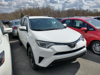 Used 2017 Toyota RAV4 LE AWD CAMÉRA*MAIN LIBRE*SIÈGES CHAUFFAN for sale in Lévis, QC
