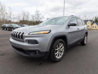 Used 2016 Jeep Cherokee NORTH 4X4 CAMÉRA HAYON ÉLEC *SIÈGES /VOLANT CHAUF* for sale in Mirabel, QC