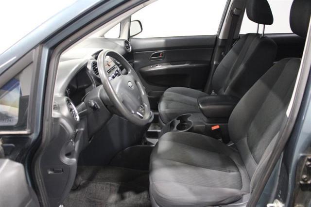 2012 Kia Rondo LX (5-seater)