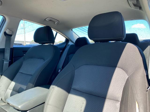 2017 Hyundai Elantra L Manual
