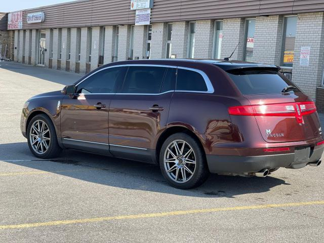 2010 Lincoln MKT LOADED NAVIGATION/REAR CAMERA/DVD/6 PASS Photo6