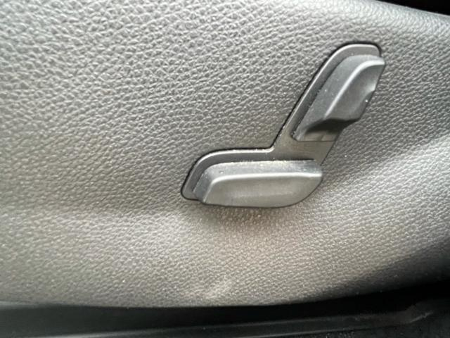 2013 Mercedes-Benz GLK350 GLK350 Navigation /Panoramic Sunroof /Leather Photo14
