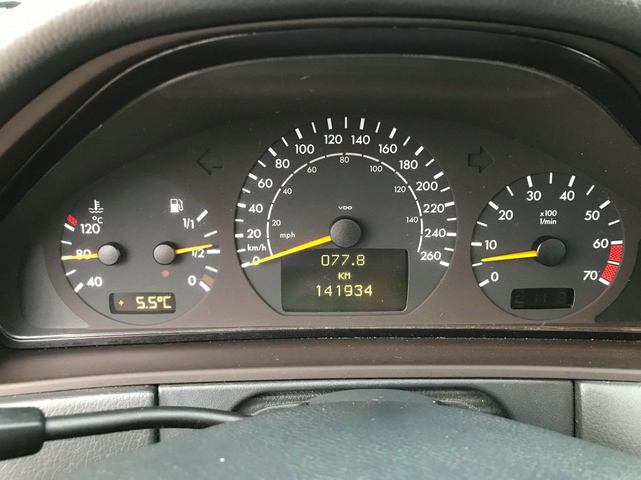 2001 Mercedes-Benz E-Class