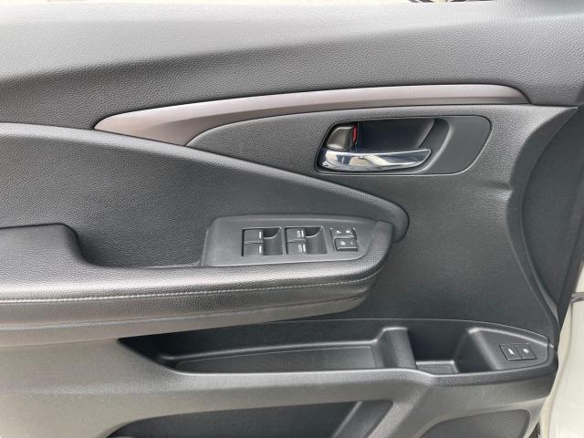 2017 Honda Pilot EX-L AWD Navigation/Sunroof /8 Passenger Photo13