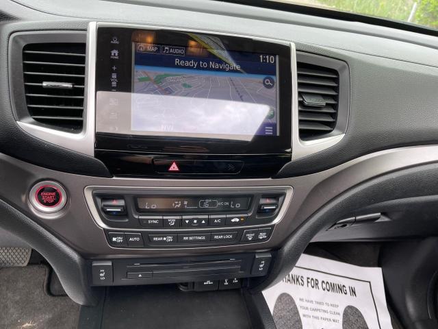 2017 Honda Pilot EX-L AWD Navigation/Sunroof /8 Passenger Photo17