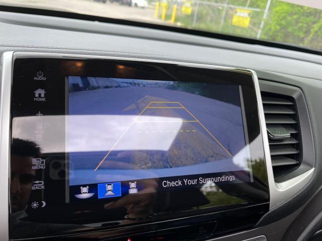 2017 Honda Pilot EX-L AWD Navigation/Sunroof /8 Passenger Photo19