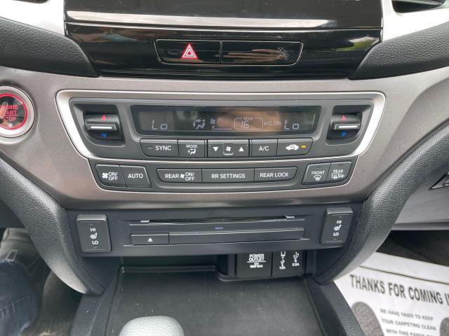 2017 Honda Pilot EX-L AWD Navigation/Sunroof /8 Passenger Photo20