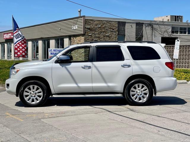 2013 Toyota Sequoia Platinum Navigation /DVD/Sunroof /7Pass Photo7