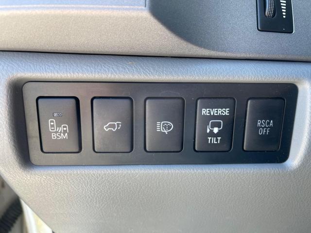 2013 Toyota Sequoia Platinum Navigation /DVD/Sunroof /7Pass Photo11