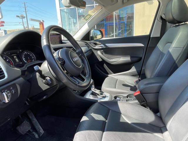 2016 Audi Q3 Progressive Navigation/Panoramic Sunroof /Camera Photo8