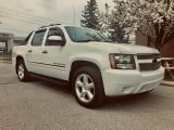 2009 Chevrolet Avalanche LTZ - Outstanding Condition