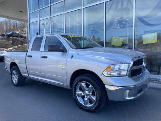 Used 2019 RAM 1500 Classic ST , ÉCRAN TACTILE , DIFF 3.55 , ATTELAG for sale in Ste-Agathe-des-Monts, QC