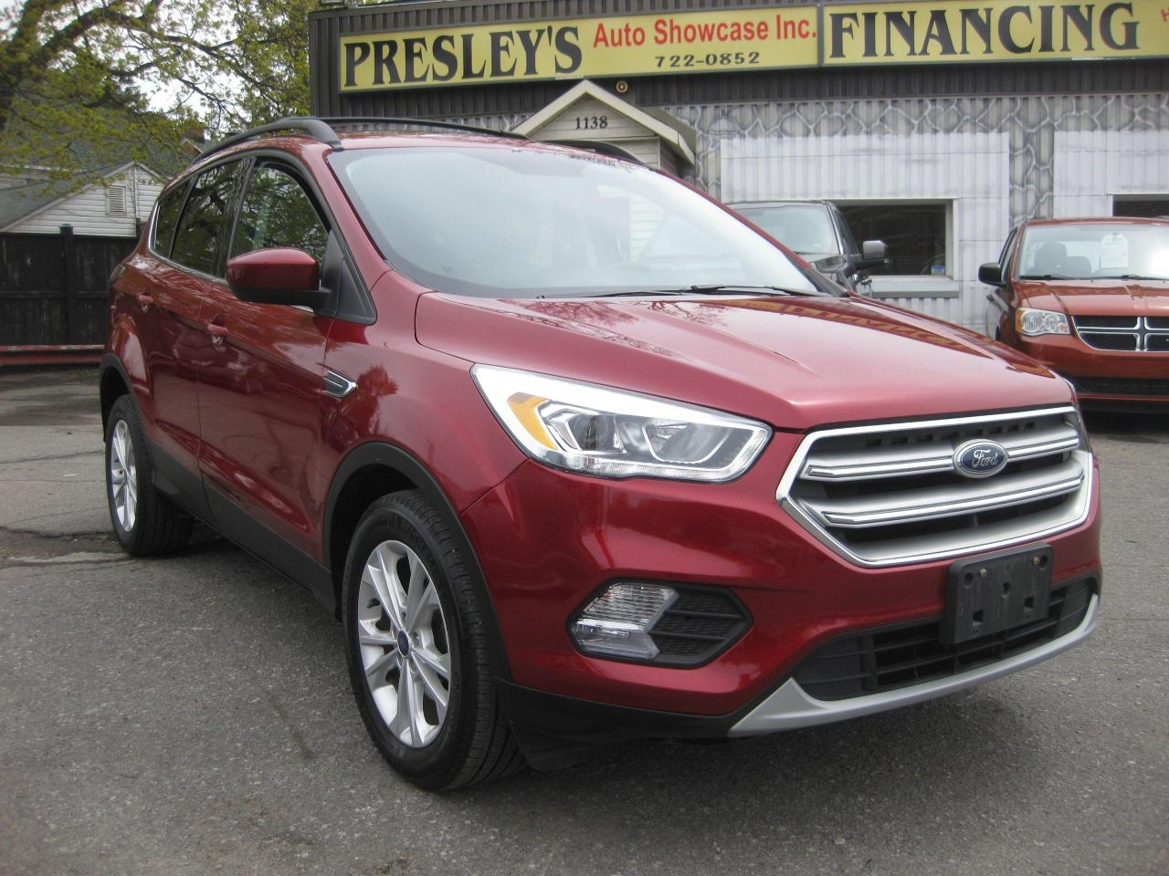 2017 Ford Escape SE FWD Nav Sunroof Bluetooth Rev Cam AC Cruise