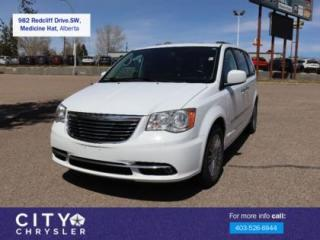 Used 2014 Chrysler Town & Country Touring-L for sale in Medicine Hat, AB