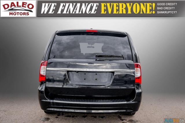 2014 Chrysler Town & Country TOURING / 7 PASSENGERS / BACK UP CAM / STOW N GO Photo7