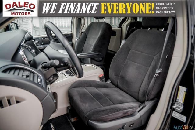 2014 Chrysler Town & Country TOURING / 7 PASSENGERS / BACK UP CAM / STOW N GO Photo10