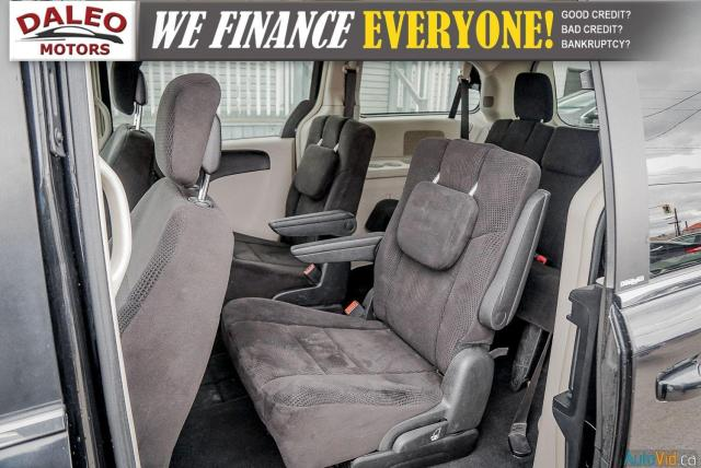 2014 Chrysler Town & Country TOURING / 7 PASSENGERS / BACK UP CAM / STOW N GO Photo11