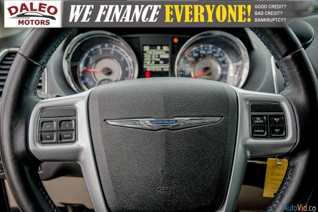2014 Chrysler Town & Country TOURING / 7 PASSENGERS / BACK UP CAM / STOW N GO Photo19