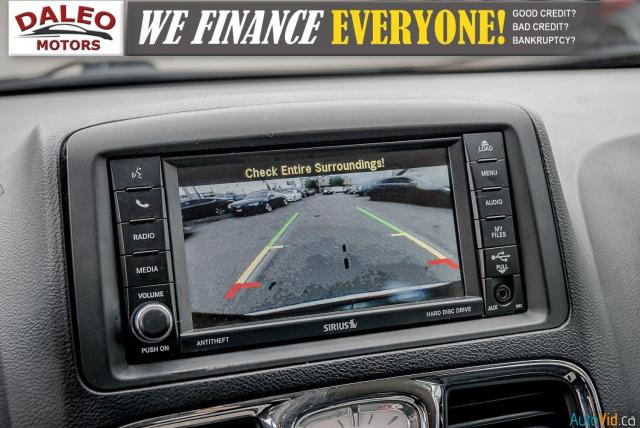 2014 Chrysler Town & Country TOURING / 7 PASSENGERS / BACK UP CAM / STOW N GO Photo22
