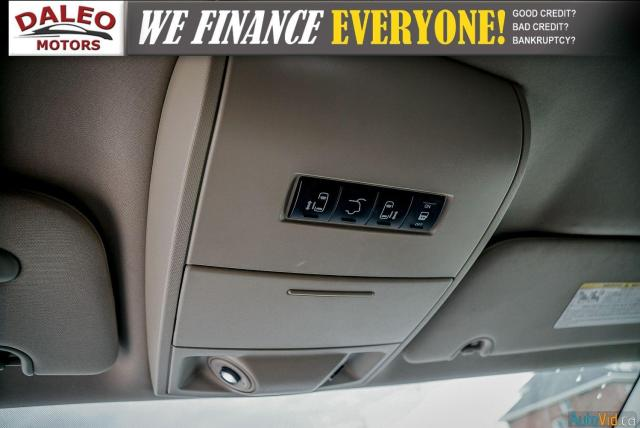 2014 Chrysler Town & Country TOURING / 7 PASSENGERS / BACK UP CAM / STOW N GO Photo23