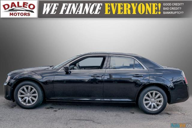 2014 Chrysler 300 LEATHER / BACK UP CAM / HEATED STEATS / PANO ROOF Photo5