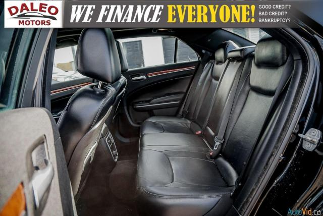 2014 Chrysler 300 LEATHER / BACK UP CAM / HEATED STEATS / PANO ROOF Photo12
