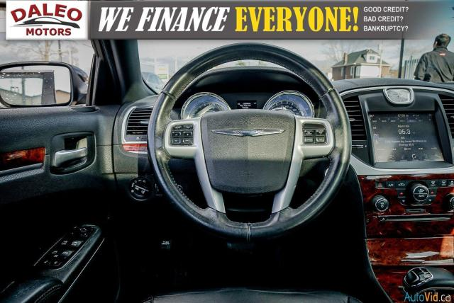 2014 Chrysler 300 LEATHER / BACK UP CAM / HEATED STEATS / PANO ROOF Photo16