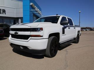Used 2018 Chevrolet Silverado 1500 Crew Cab 4x4 Custom / Short Box for sale in Weyburn, SK