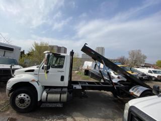 Used 2010 International 4300 rolloff 20 ft for sale in North York, ON