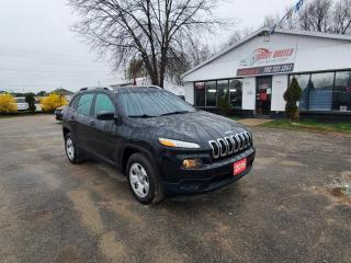 Used 2015 Jeep Cherokee Sport for sale in Barrie, ON