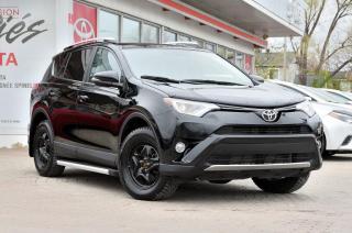 Used 2016 Toyota RAV4 XLE AWD SIÈGE ÉLECTRIQUE, COFFRE ÉLECTRIQUE, TOIT, MAGS for sale in Pointe-Claire, QC