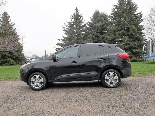 2015 Hyundai Tucson GL- ONE OWNER
