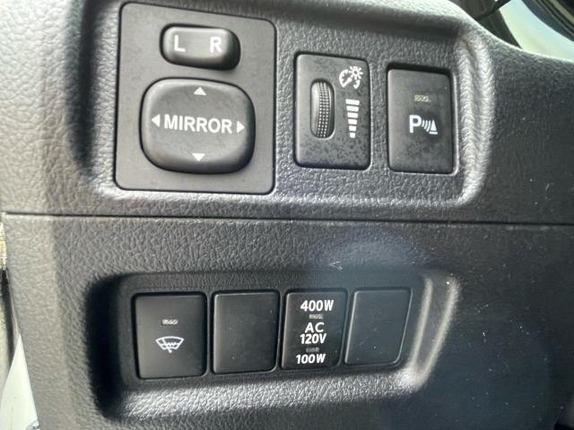2015 Toyota 4Runner Limited  Navigation /Sunroof /Leather Photo15