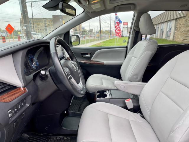 2018 Toyota Sienna Limited  AWD  Navigation /DVD /Sunroof Camera Photo9