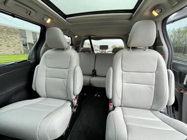 2018 Toyota Sienna Limited  AWD  Navigation /DVD /Sunroof Camera Photo13