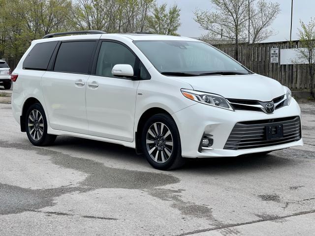 2018 Toyota Sienna Limited  AWD  Navigation /DVD /Sunroof Camera Photo7