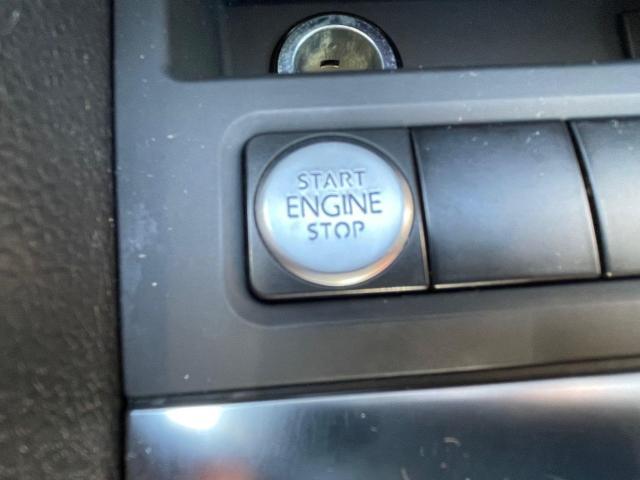 2013 Volkswagen Jetta Hybrid  Executive  Navigation /Leather /Sunroof Photo12