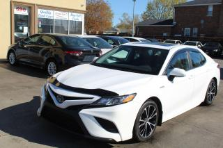 Used 2019 Toyota Camry SE Hybrid Sunroof for sale in Brampton, ON