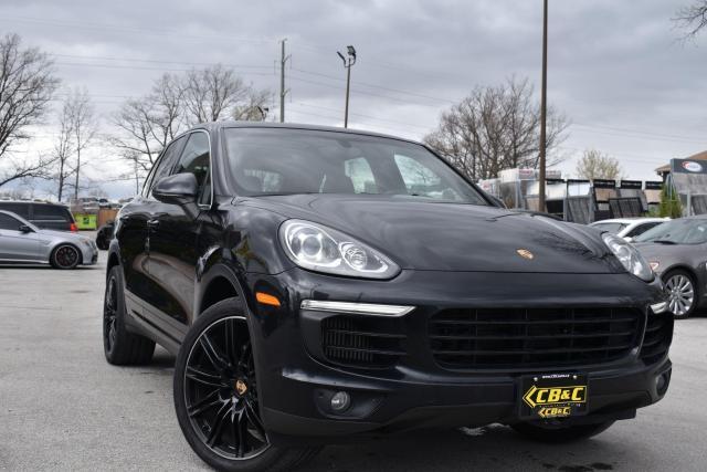 2015 Porsche Cayenne S - Premium Plus - NO ACCIDENTS