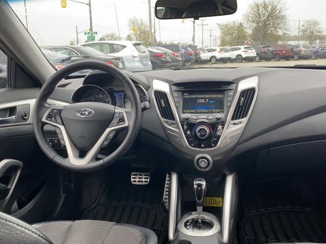 2012 Hyundai Veloster w/Tech Photo10