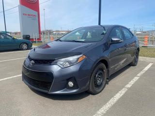 Used 2014 Toyota Corolla * S *AC * CAMERA *SIEGES CHAUFFANTS * for sale in Québec, QC